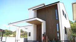 プラスディーアーキテクト|つながりをかたちにした薪ストーブのある家