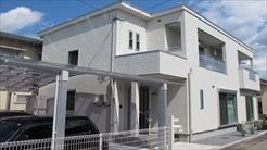 トラッドハウジング|シンプルモダン白い家