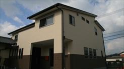 藤岡萬建設|梁も魅せる自然素材の家
